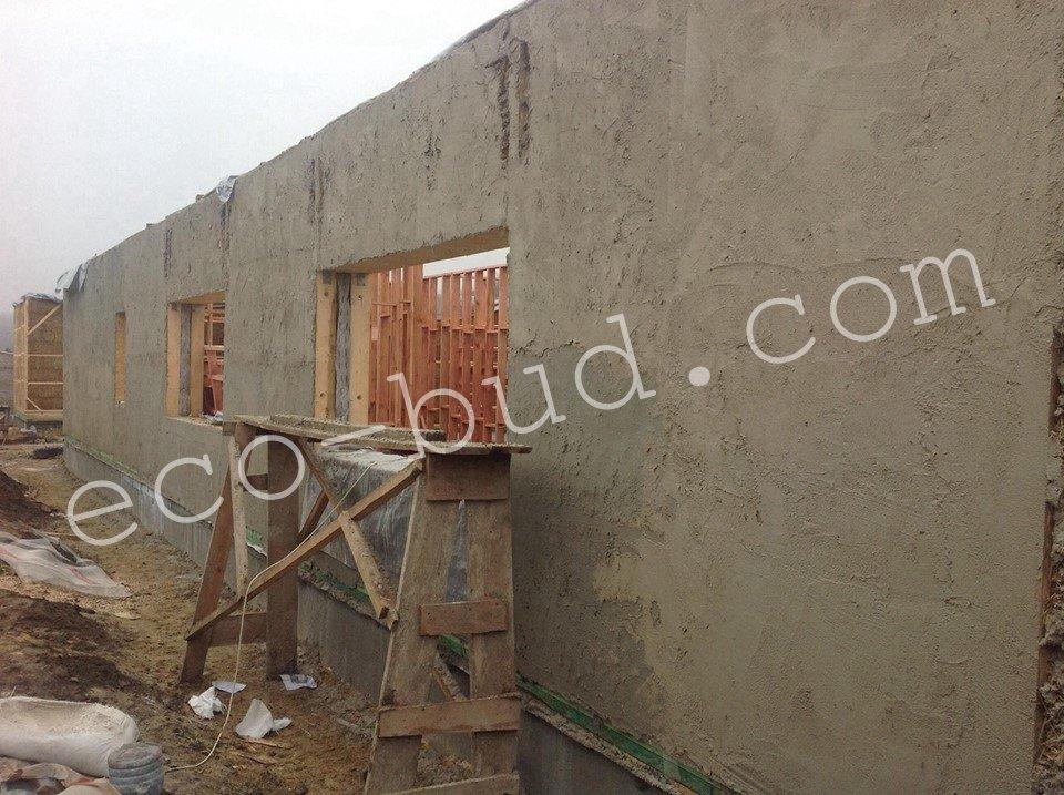 Оштукатуренная внешняя стена