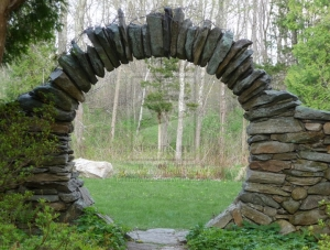 124 Moon_Gate_by_linawifeofL