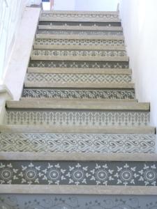 Henna-Stair-Risers