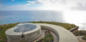 Seashell-Inspired-Abalone-House-by-Thomas-Cowen