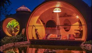 steve-areen-dome-night-600x348