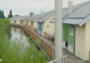 Maasbommel Floating Homes back
