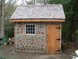 shed by dana