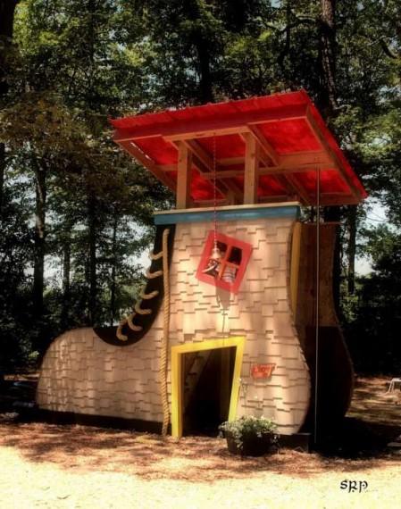 сказочный дом-сапог