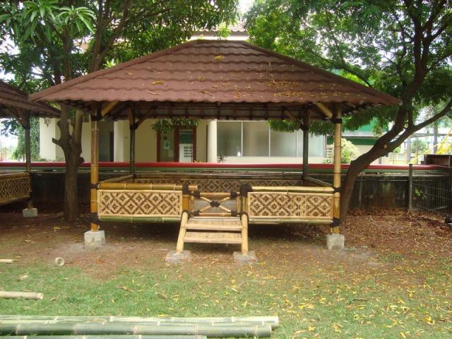 Modern-Bamboo-House-Design-20144