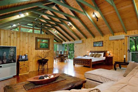 ainternitree_houses_of_montville_picnic_creek_1